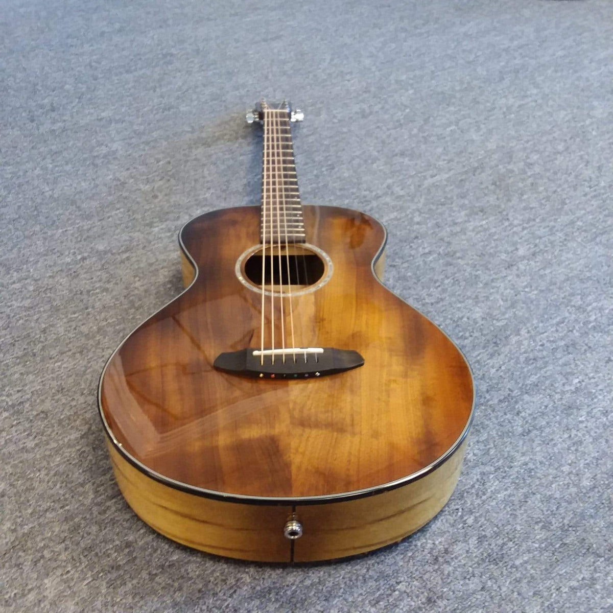 Breedlove Pursuit Exotic Concertina Prairie Burst CE