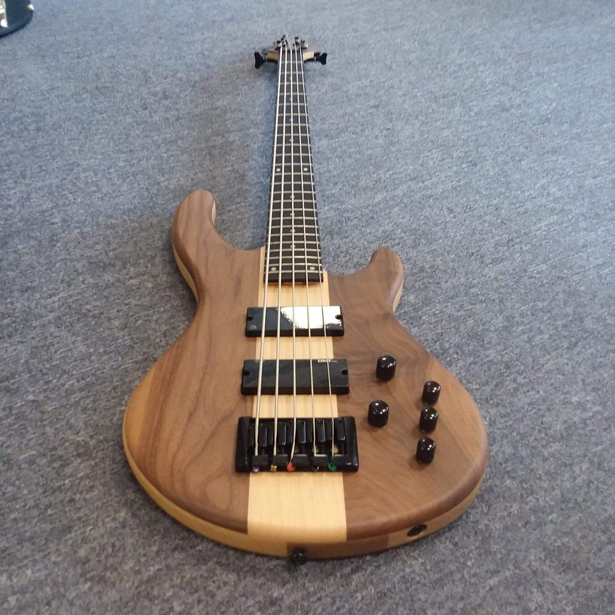 Dean Edge Pro 5 String Walnut Satin Natural