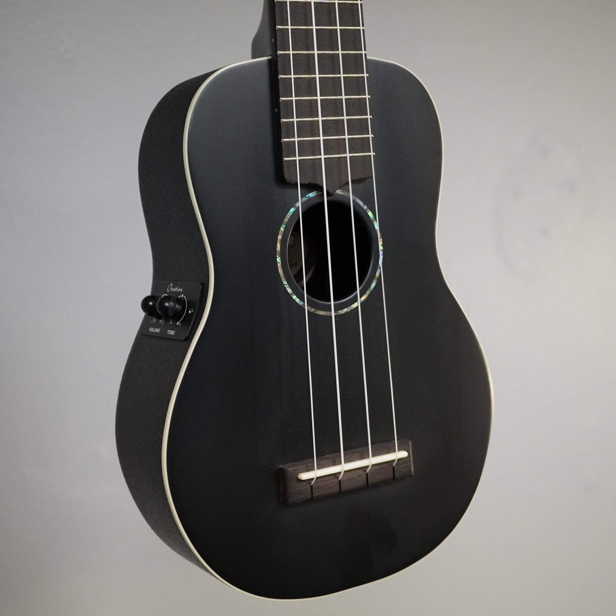 Ovation ACOUSTIC& - FOLK INSTRUMENTS - UKULELE Ovation Americana Collection Soprano Ukulele Black Satin