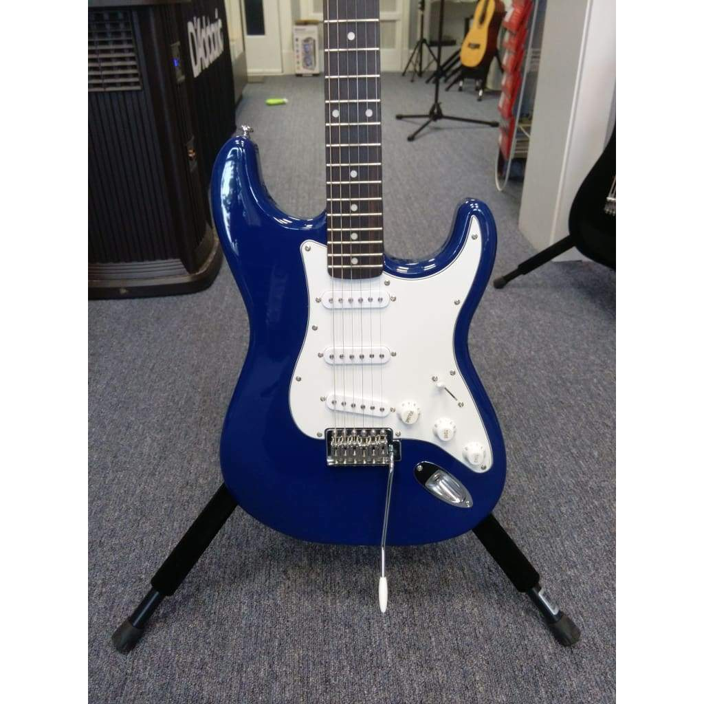 SILVERTONE GUITARS - ELECTRIC GUITARS Default SILVERTONE SS15 STRAT STYLE BLUE
