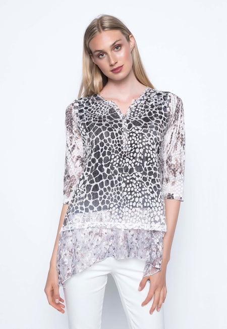 ¾ Sleeve Top With Sweetheart Neckline
