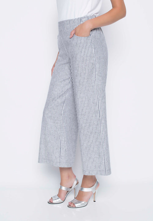 Wide Leg Pants With Pockets