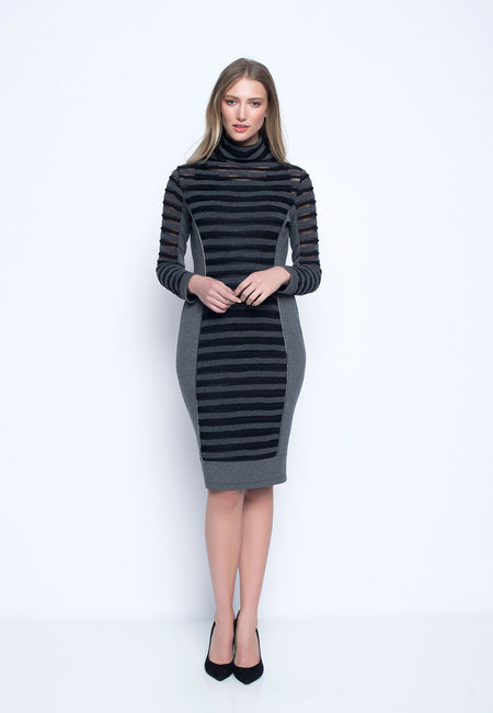 Long Sleeve Sweetheart Neckline Dress