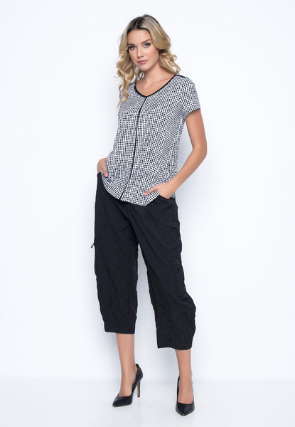 Outfit featuring the Side-Pockets Balloon Pants in black by Picadilly Canada
