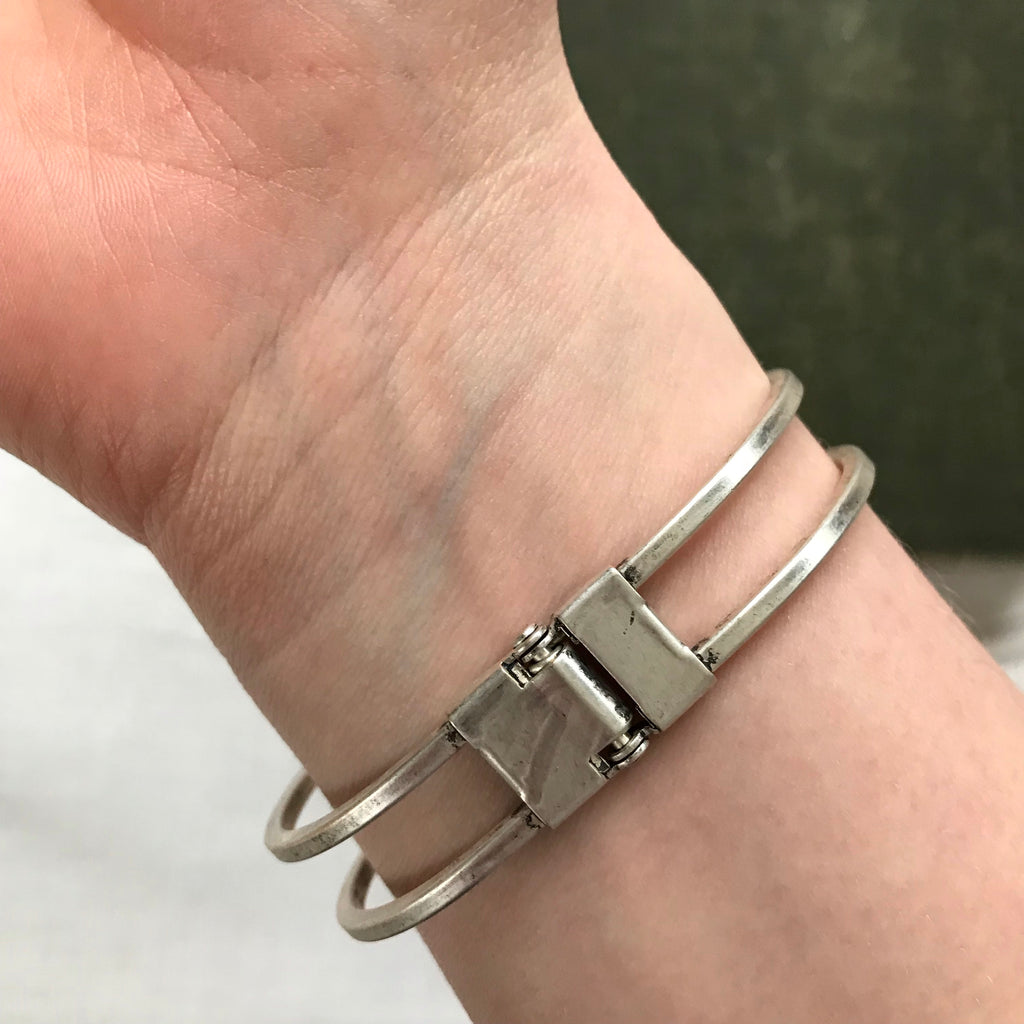 highland stone hinged cuff