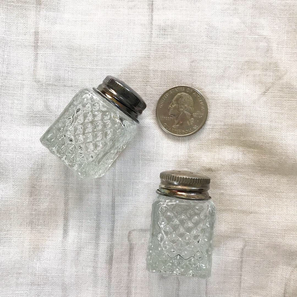 Elise mini salt + pepper shakers