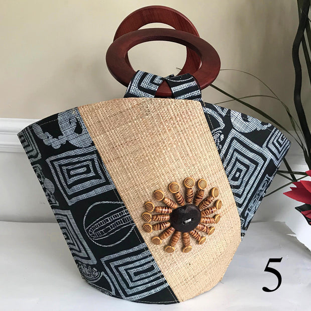 Bamileke Hand Woven Raffia Fibers African Basket bag with wood handle - Big - Afrilege