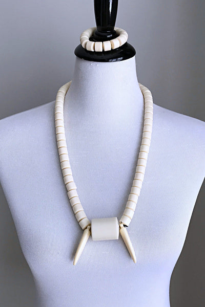 Off-beige Igbo Nigerian tusk Wedding necklace for men - Afrilege