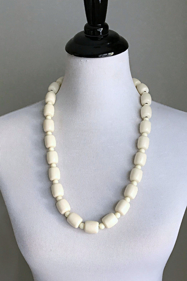 Off-white igbo Nigerian Wedding necklace for Men and Women - Afrilege