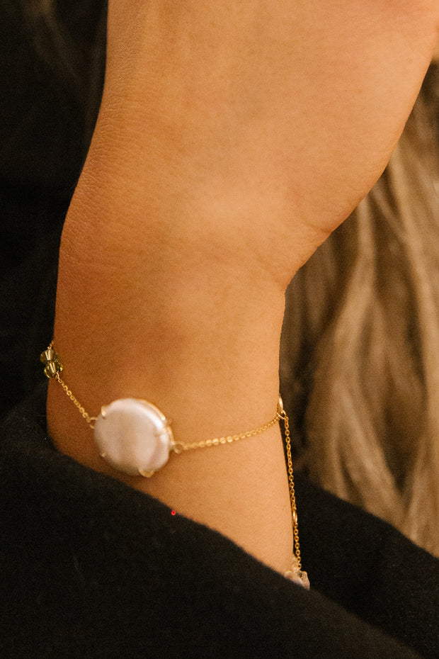 Pearl Bracelet with Stone - ShopAuthentique