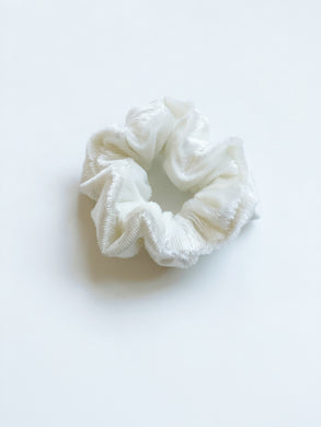 Chunky Scrunchie | Metallic White Velvet