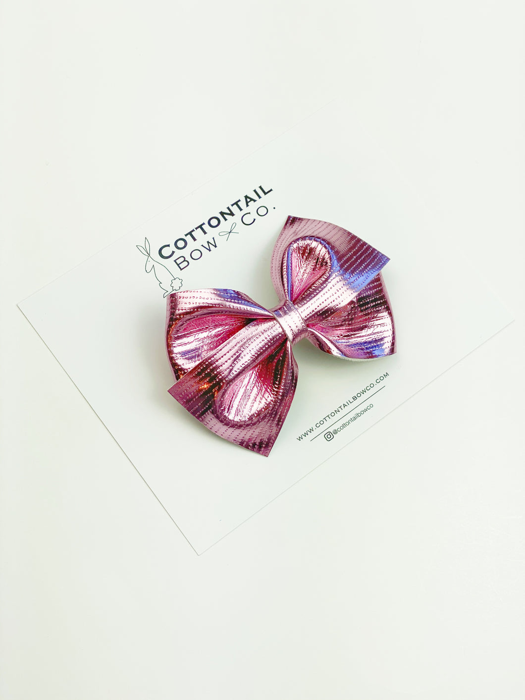 Loop Bow | Passion Pink | Clip