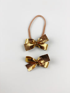 Petite Loop Bow | Gold Leather | Clip