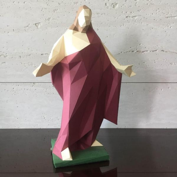 Jesus Christ Low Polygon Paper Craft Statue