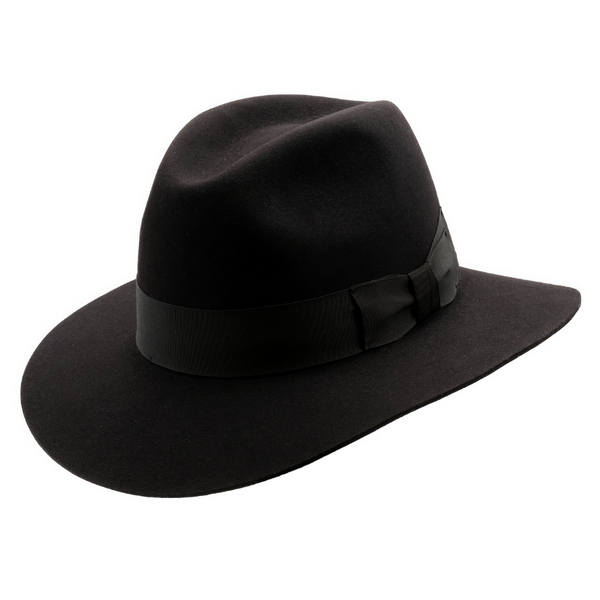 Angle view of black Akubra Adventurer hat.