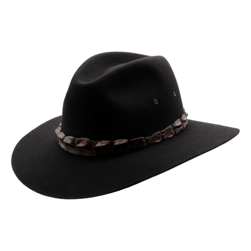 Angle view of Akubra Coolabah in black colour