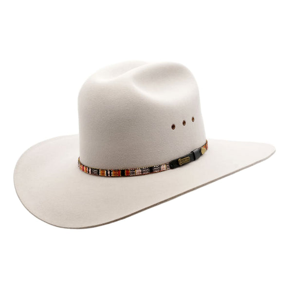 Angle view of Akubra Bronco hat in quartz colour