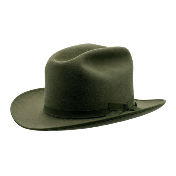Angle view of Akubra Campdraft hat in Bluegrass Green colour with cigar crease in crown, available from Strand Hatters