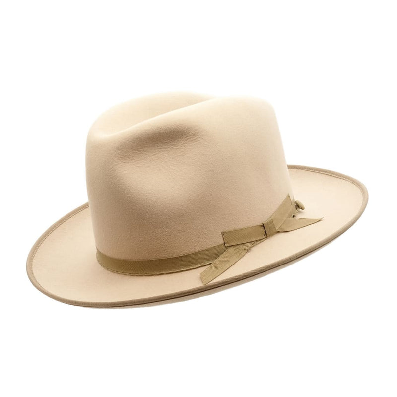 Angle view of Akubra Campdraft hat in Silver Belly colour, shown with shaped crown