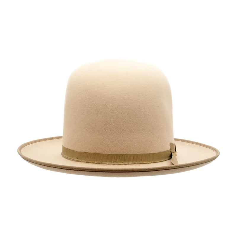 Front-on view of the Akubra Campdraft hat in Silver Belly colour, shown with open crown