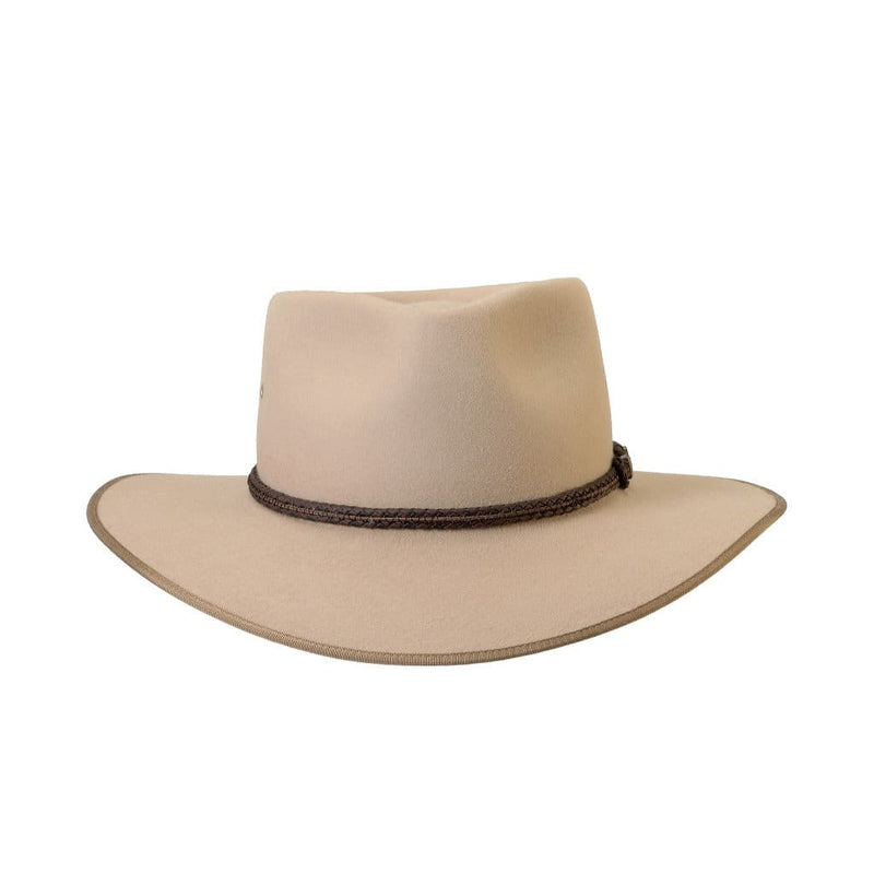 Front on view of Akubra Cattleman hat  in Sand colour