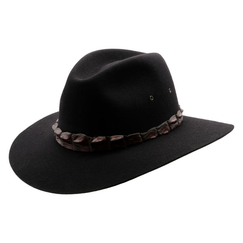 Angle view of Akubra Coolabah hat in Black