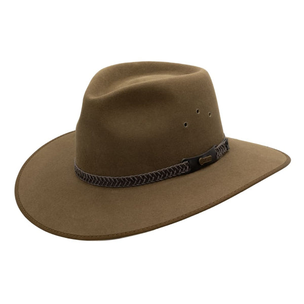 Angle view of the Akubra Tablelands hat in Khaki colour