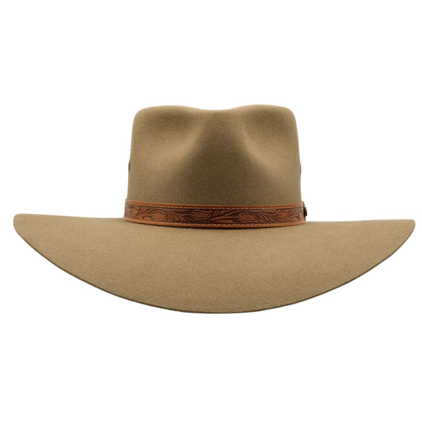 Front view of Akubra Territory hat in santone colour