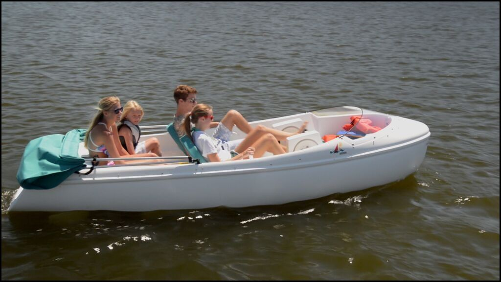 THE ENCORE PEDAL BOAT- NAUTICRAFT