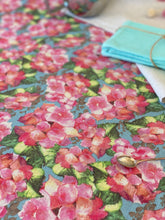 Hydrangea Heaven Table Runner