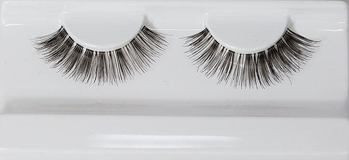 "The ""Lavish"" Lashes"