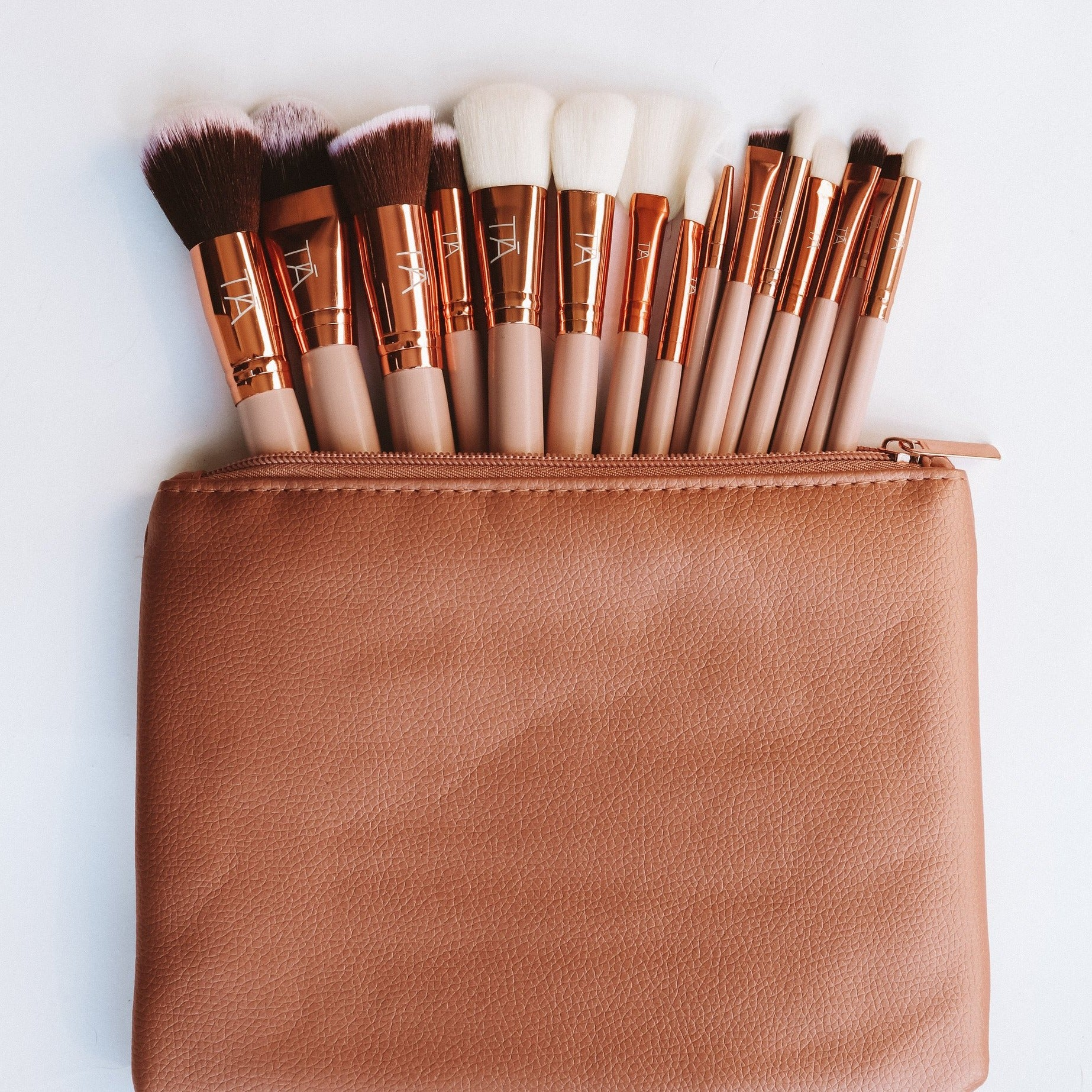 TIĀ Classic 15pce Brush Set
