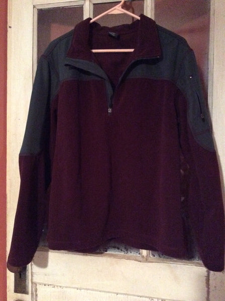 Adult Size: Large (42-44) / Starter Athletic Sweater