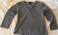 #092 Sz L Solid V-neck Shirt - Express