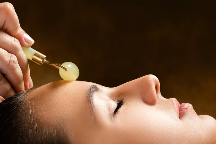 What is Jade Facial Roller and what are the Benefits of Using the Jade Roller?