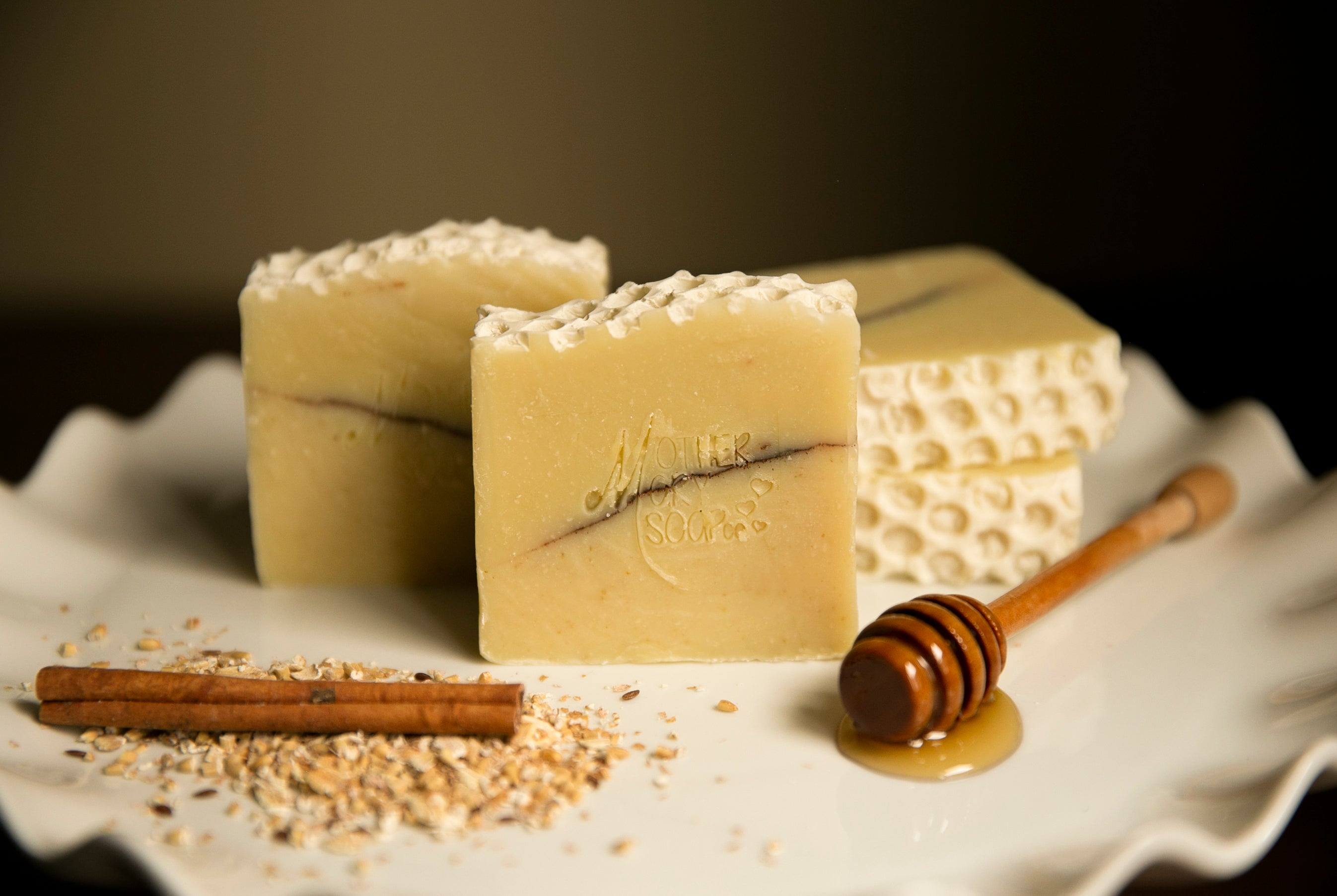 Honey , Oatmeal and Cinnamon Soap