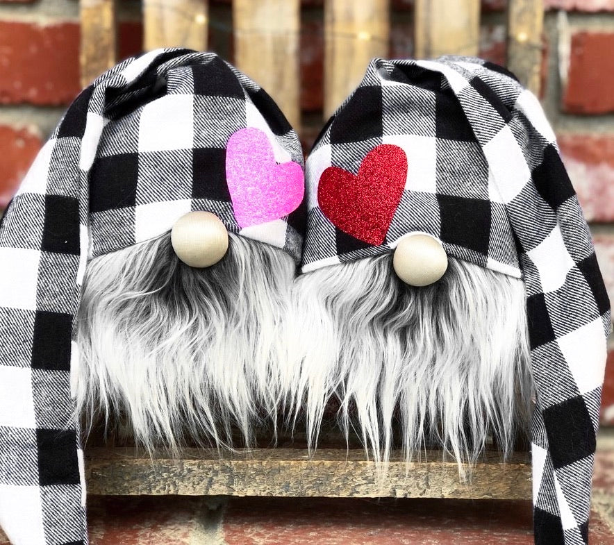 Buffalo Plaid Hearts Valentine Set