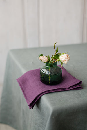 SET OF PLUM LINEN NAPKINS - Iconic Linen