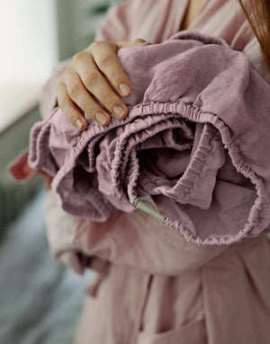DUSTY ROSE LINEN FITTED SHEET - Iconic Linen