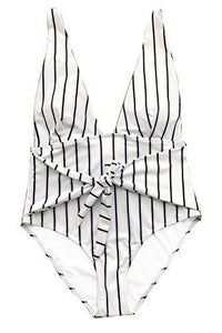 CUPSHE Women's Quiet Elegance Stripe One-Piece Swimsuit Beach Swimwear Bathing Suit (M)