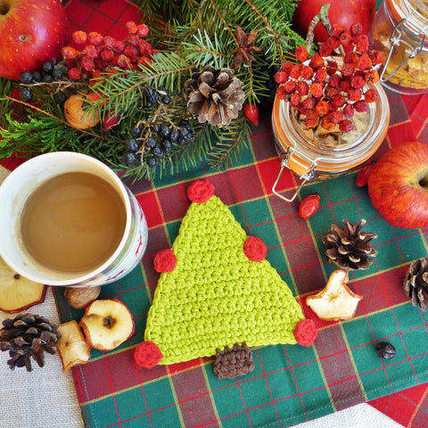 Free Christmas Tree Coaster Crochet Pattern - MonikaCrochet