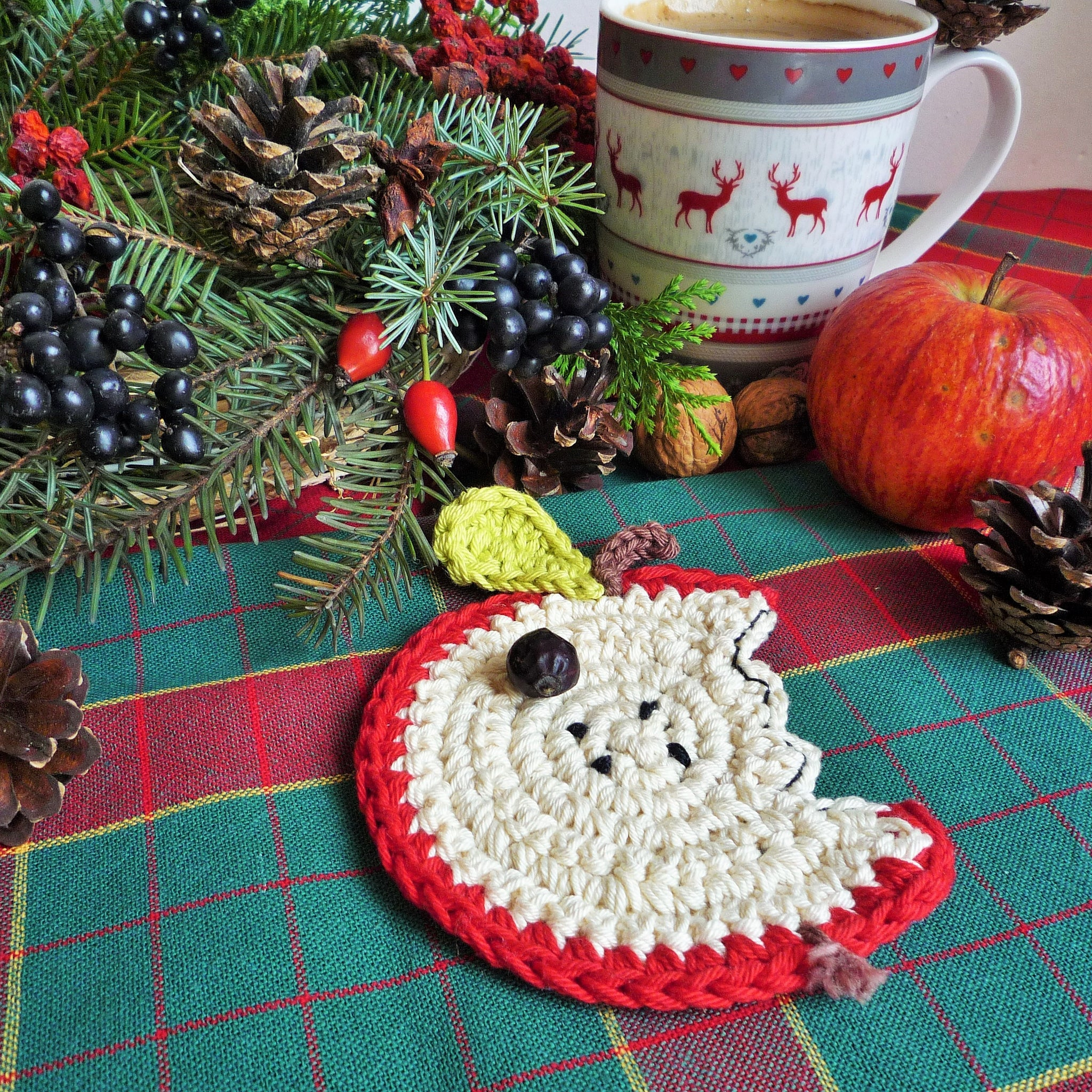 crochet apple coaster monikacrochet