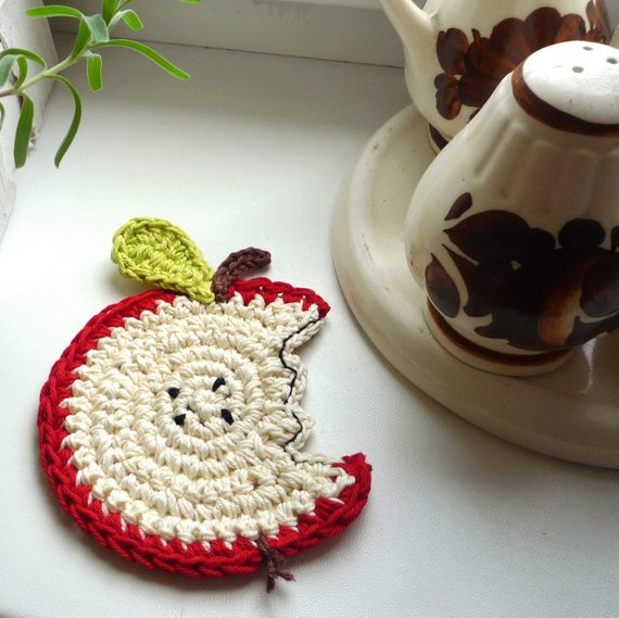 Apple Coaster Crochet Set of 4 - Apple Kitchen Decor