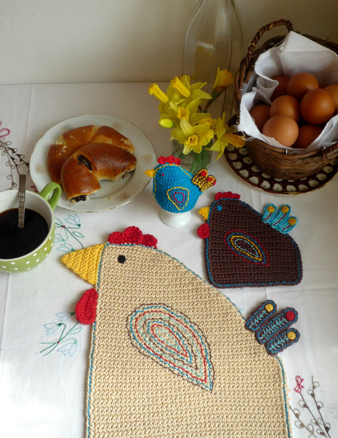 Easter Table Setting - Crochet Hen