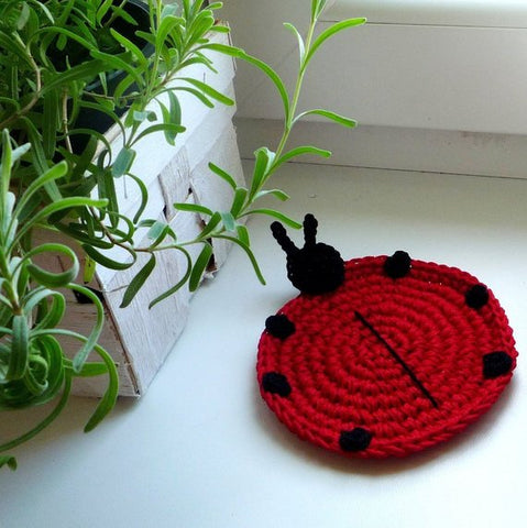 ladybug coaster crochet pattern for beginners