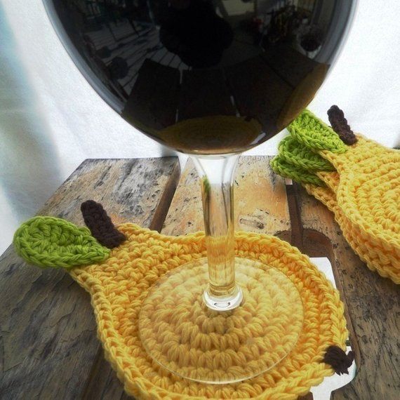 Pear Coaster Crochet Pattern - MonikaCrochet