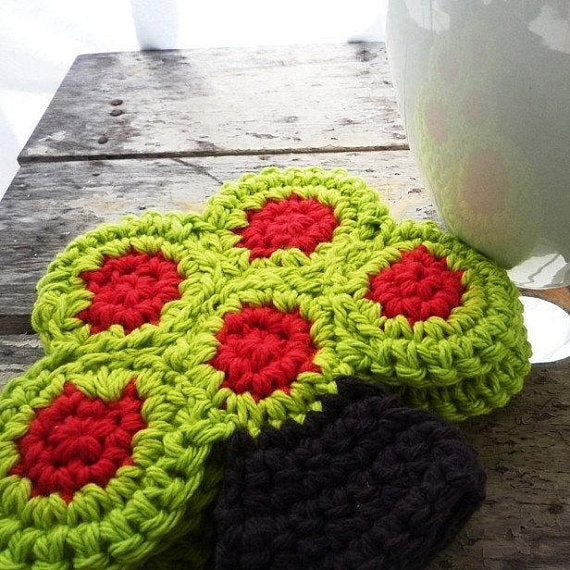 Crochet Tree Coaster with Apples - Farmhouse Table Decor - Set of 4