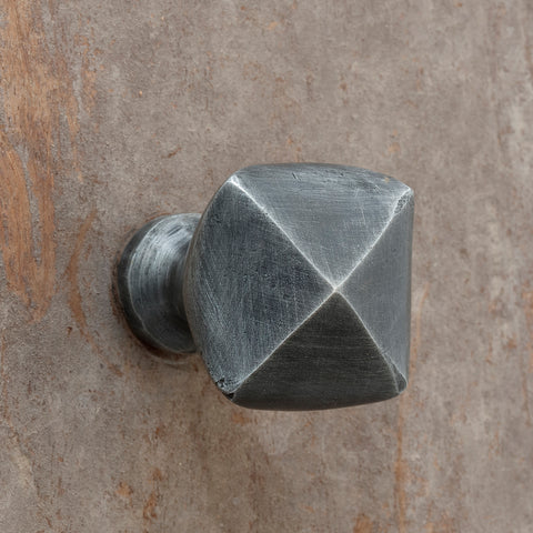 The Home Hand Forged Iron Hardware Iron Knob HC-1157-3.5x3.5x5CM