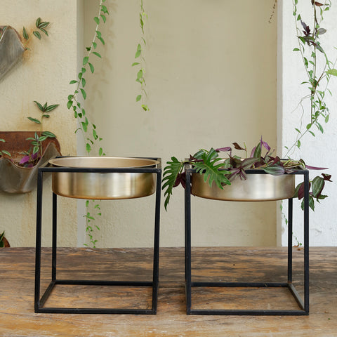 The home Pot with Stand Planter Gold GD1097-B