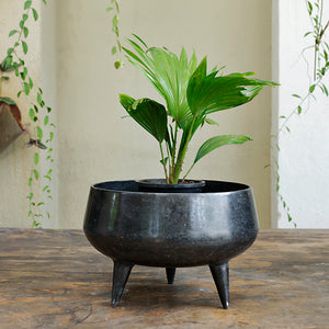 The Home Pot Planter with Legs Black CB1639-B